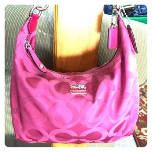 💕 Coach hot pink medium fabric hobo 💕